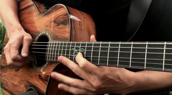 Học Guitar có khó không?
