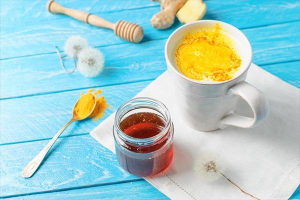 Uống nghệ với mật ong có đẹp da không? Cách uống nghệ mật ong đúng chuẩn