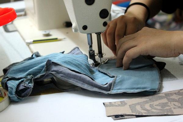 Vốn ít kinh doanh gì hiệu quả? Mở cửa hàng sửa chữa quần áo