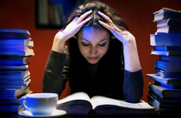 Áp lực, mệt mỏi dẫn đến mất ngủ hoặc khó ngủ