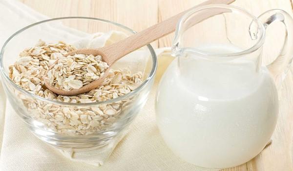 Bột yến mạch và sữa chua sẽ tạo ra một mặt nạ dưỡng da hoàn hảo cho bạn