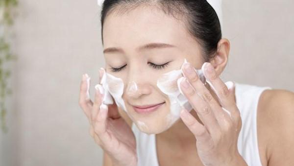 Rửa mặt giúp da mặt thông thoáng