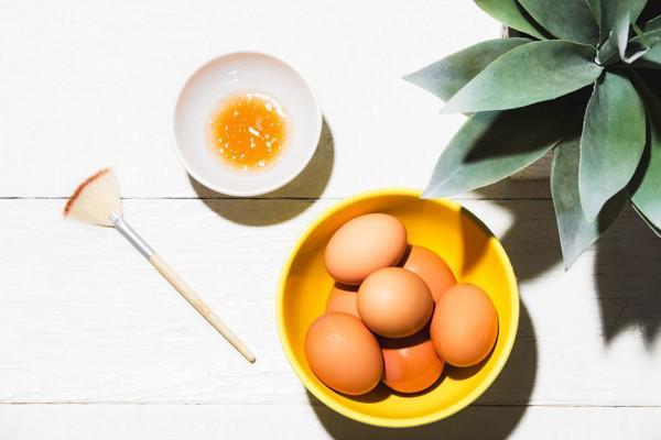 Trứng gà là một nguyên liệu làm đẹp hiệu quả cho làn da trắng hồng