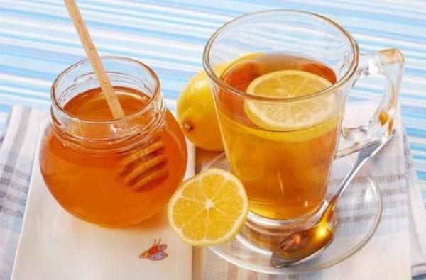 Nước chanh mật ong cải thiện da hiệu quả cho mẹ bầu