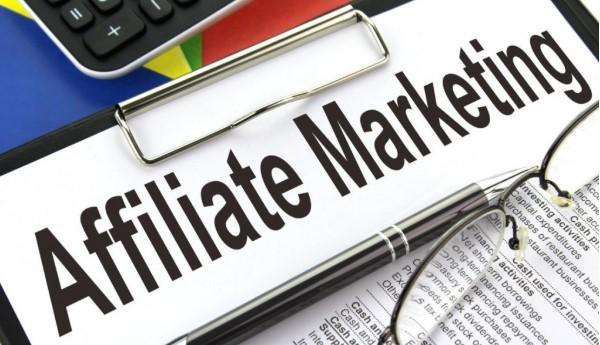 Rất nhiều người có thu nhập hàng trăm triệu đồng khi làm Affiliate Marketing