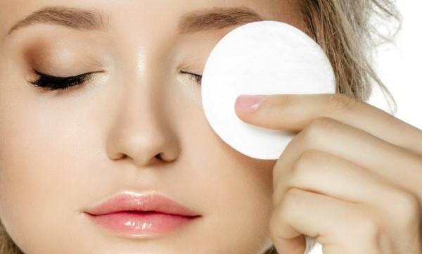 Nên sử dụng tẩy trang cho da mặt ngay cả khi bạn không trang điểm